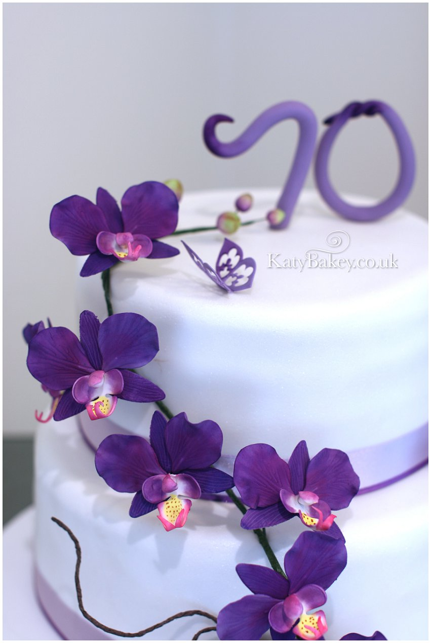 Bespoke celebration cakes cupcakes and baked goods Enfield